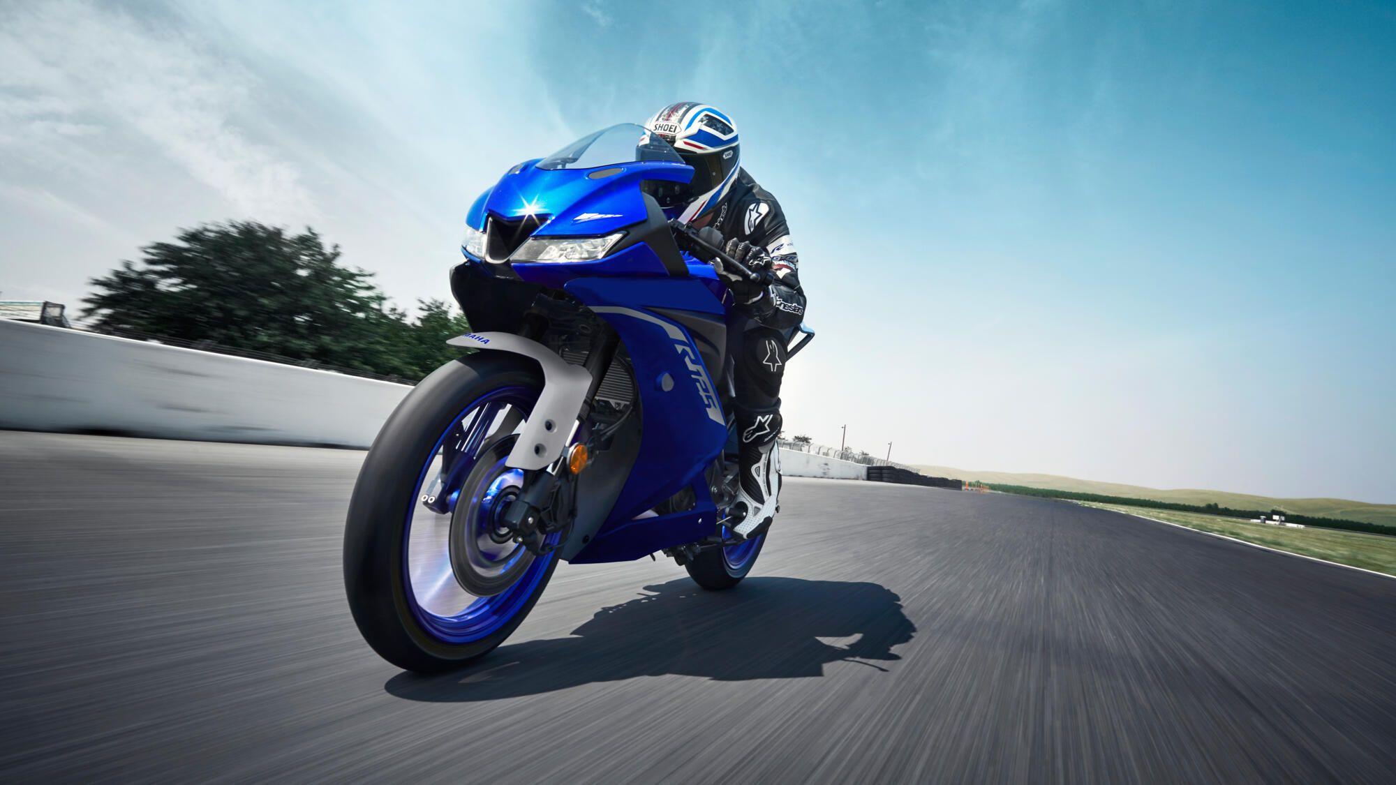 Yamaha 2021 YZF R125 position de conduite