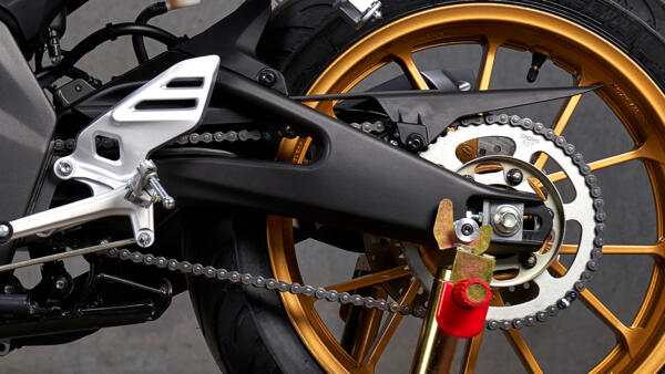 Yamaha R125 world GP bras oscillant