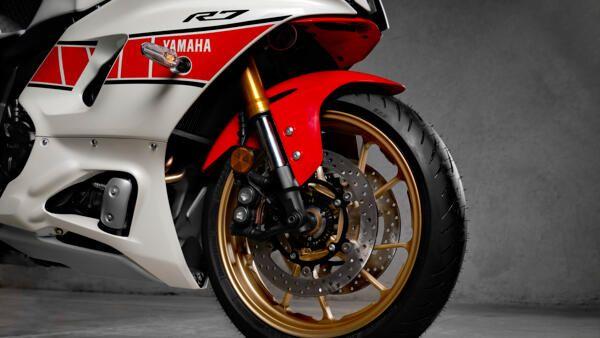 Yamaha R7 world GP frein